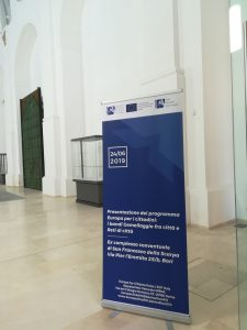 Presentazione del Programma Europa per i cittadini: i bandi di Gemellaggio fra città e Reti di città mibac bari effe erre congressi